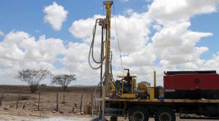 Perfuratriz da Cohidro em ação ajudando no combate à seca